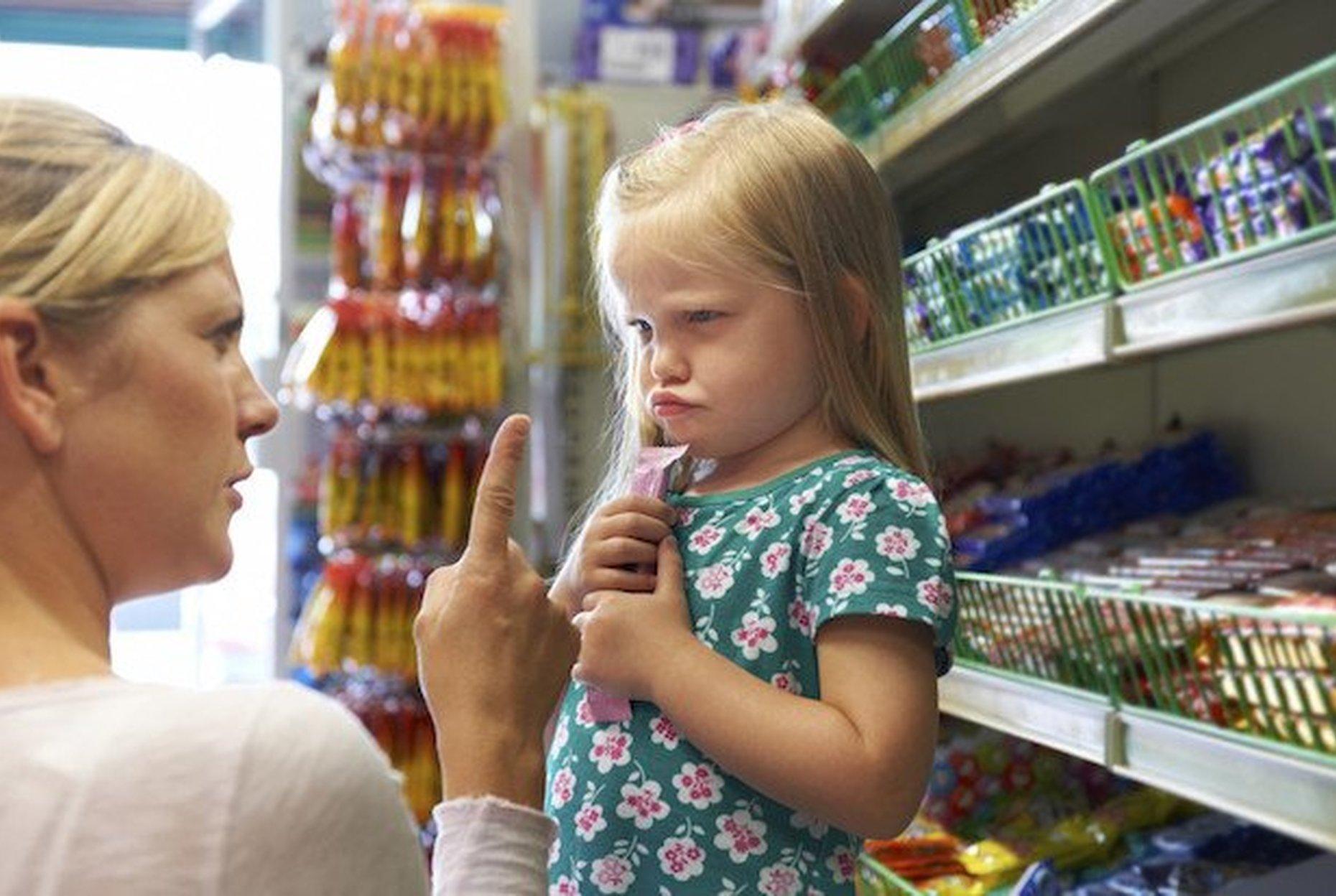 'купи!' ребенок в магазине: как избежать истерики и плохого поведения. поведение ребенка в магазине