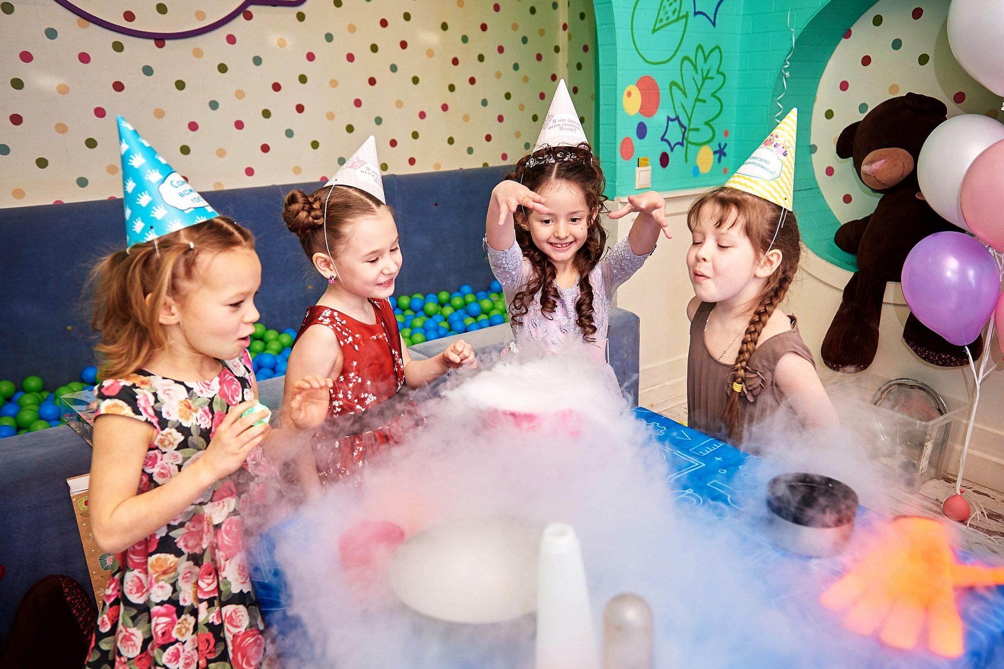 Игры и конкурсы для детей на улице для лета и весны, игровая программа