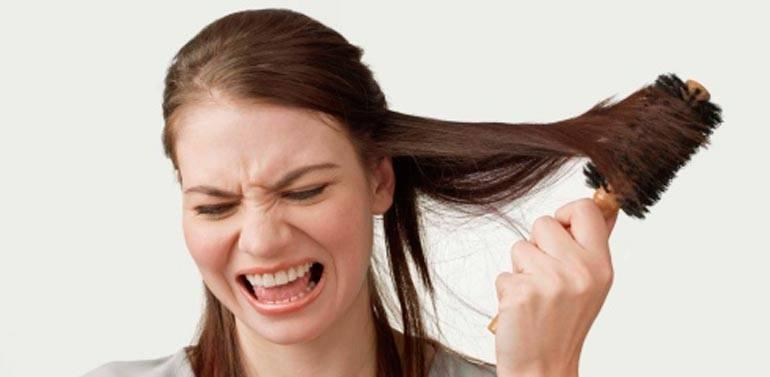 После родов сильно выпадают волосы: что делать, как остановить?