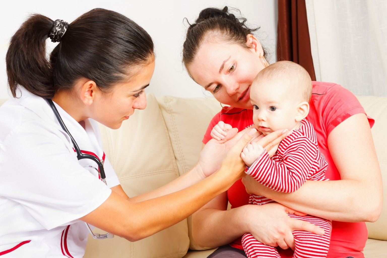 Основные причины появления боли в шее у ребенка