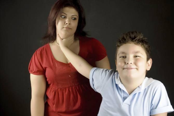 12 признаков того, что вы избаловали своего ребенка | sm.news