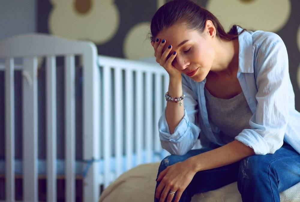 Послеродовая депрессия: симптомы, сколько она длиться и как от нее избавиться