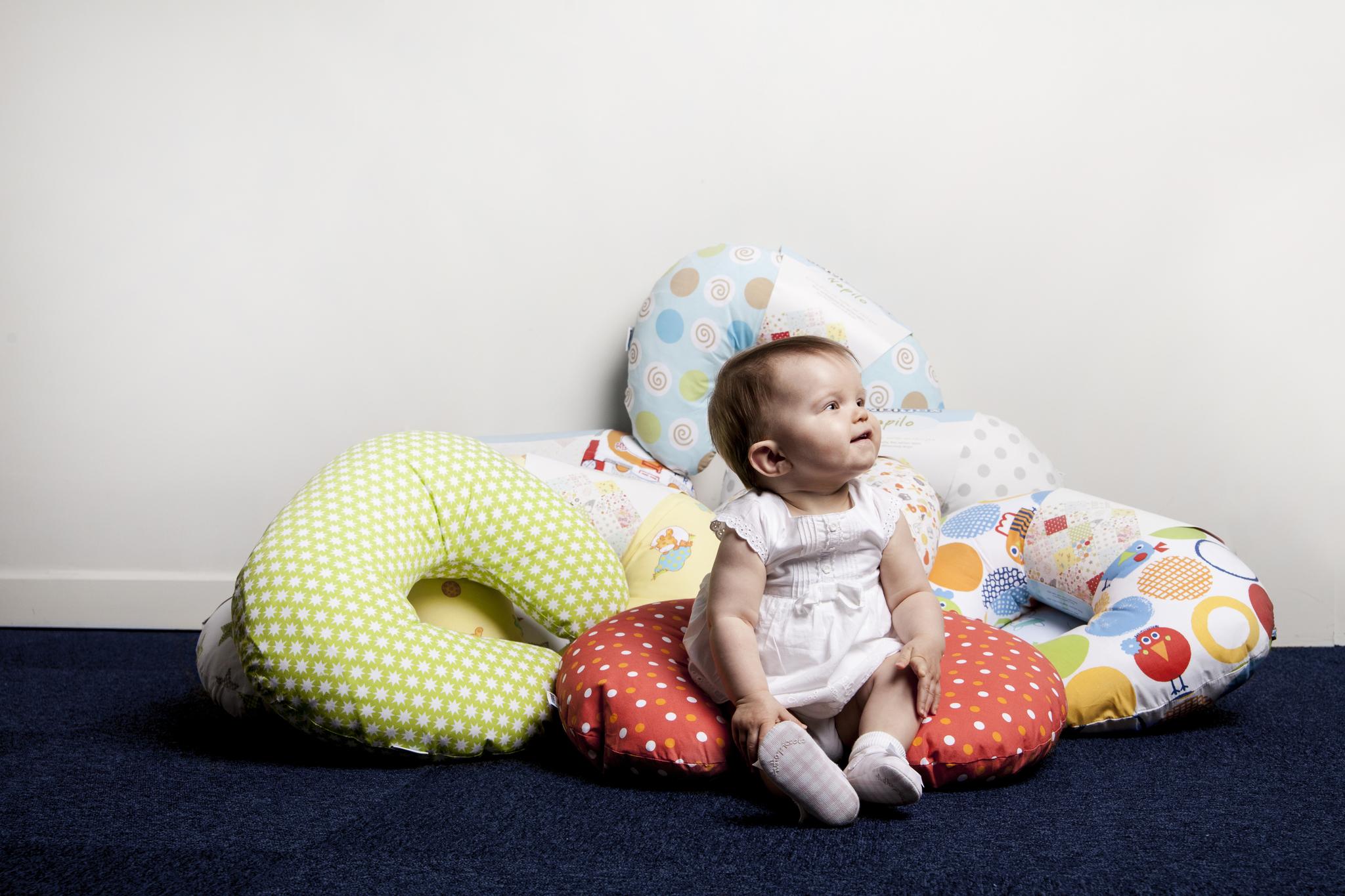 Какая подушка лучше для кормления грудью