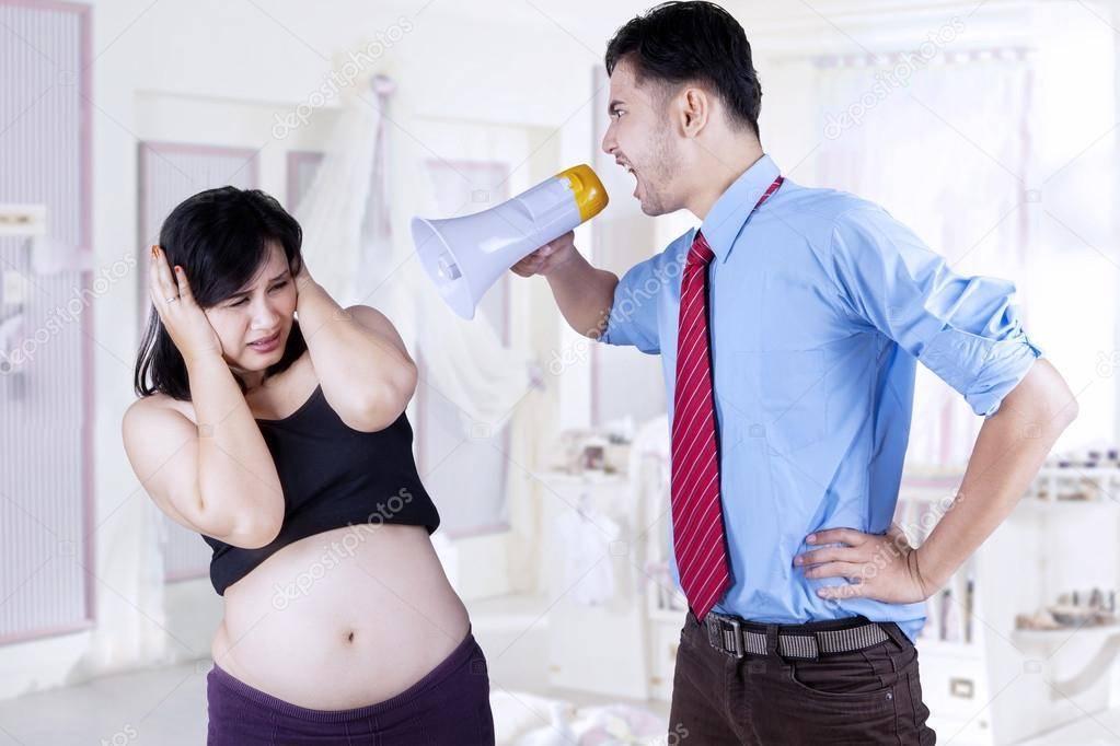 19 фраз, которые не следует говорить беременной жене