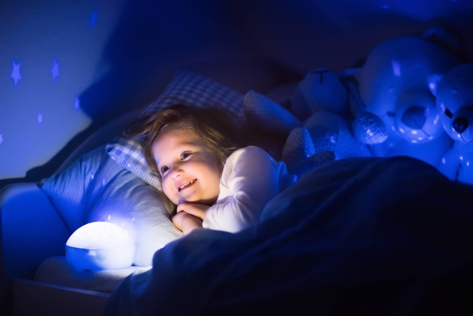 Детская психология: ребенок с трудом засыпает на ночь. рекомендации родителям (игры перед сном, успокаивающие сказки)