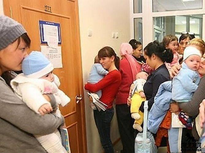 Чем можно занять ребенка в поликлинике, чтоб спокойно дождаться очереди?