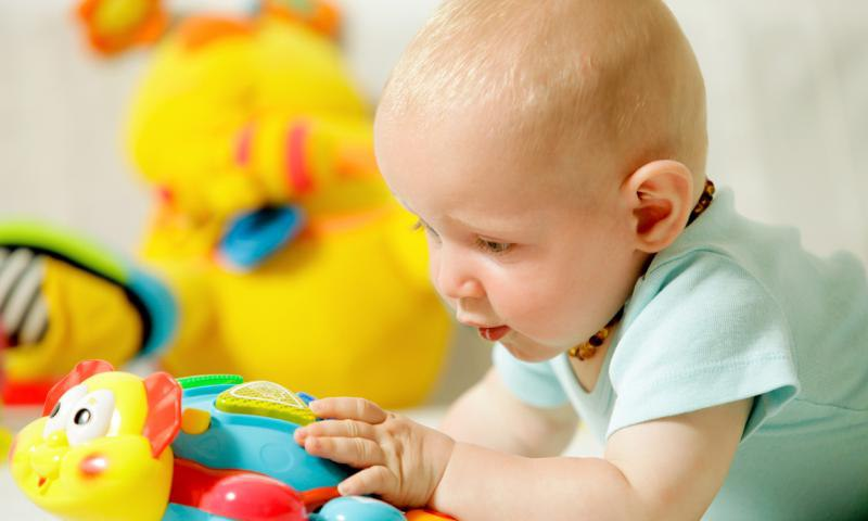 Развитие ребенка в 10 месяцев и седьмой скачок роста
