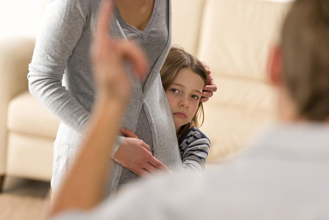 7  разрушительных фраз, которые нельзя говорить ребенку. как разговаривать с детьми. — колесо жизни