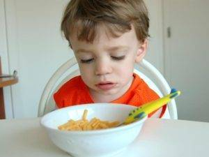 Что делать, если ребенок в  2 или 3 года не хочет ничего есть