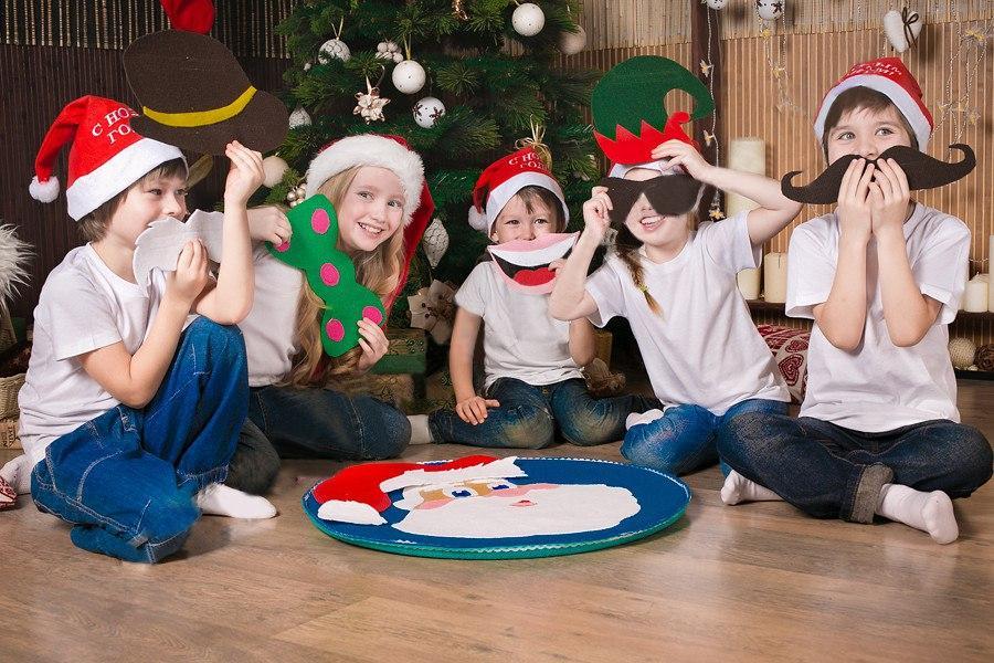 Веселые игры и конкурсы для детей на новый год для школы и дома