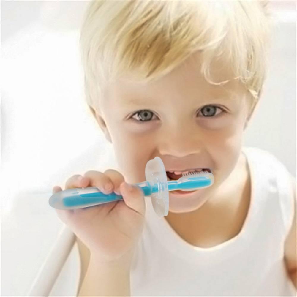 Как и когда начинать чистить зубы ребенку