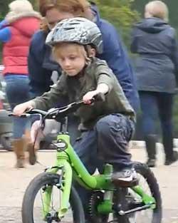 Как быстро научить ребенка кататься на двухколесном велосипеде   советы   veloprofy.com