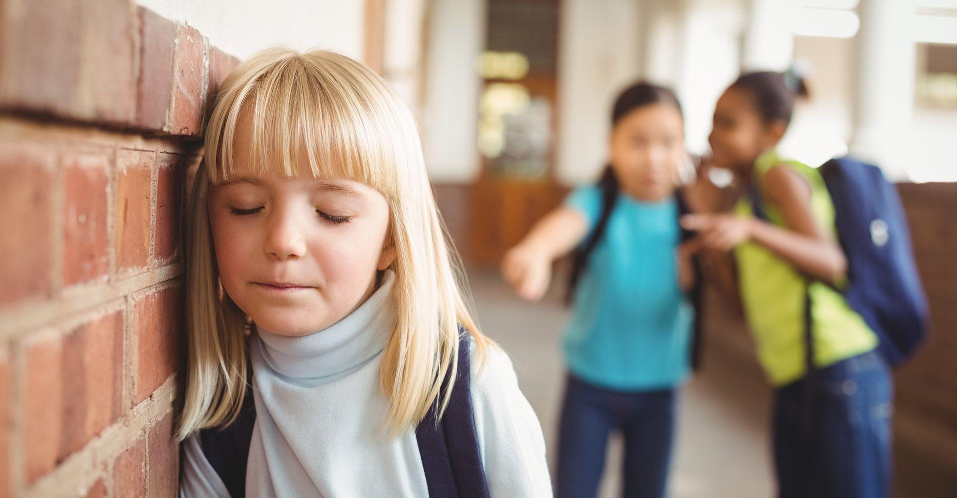 Что делать, если ребенка травят в школе: алгоритм борьбы с буллингом