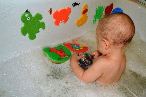 Игры с водой для детей 1-2 лет