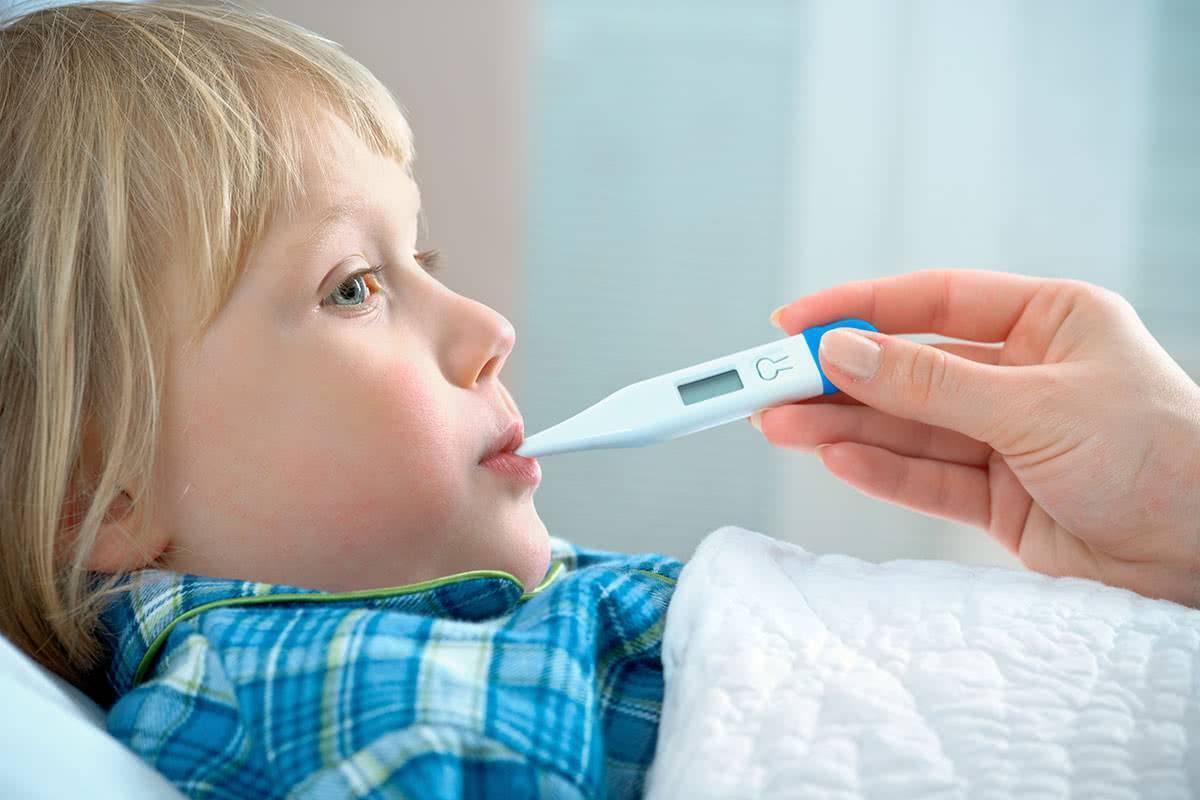 У ребенка пониженная температура тела (35-36): причины и что делать