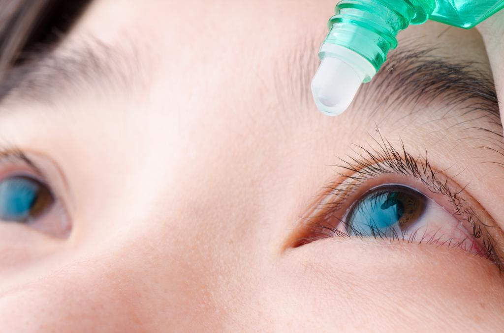 Как правильно закапывать капли в глаза самому себе. как правильно закапывать глазные капли
