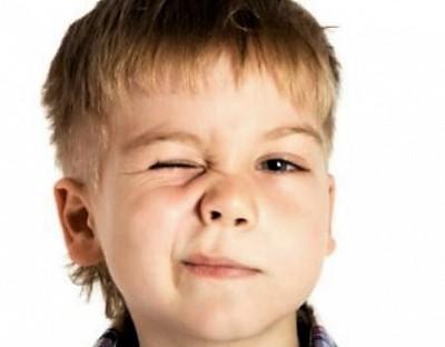 Нервный тик глаза у ребенка лечение