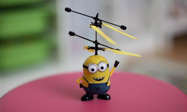 Летающий миньон – необычный подарок для каждого ребёнка