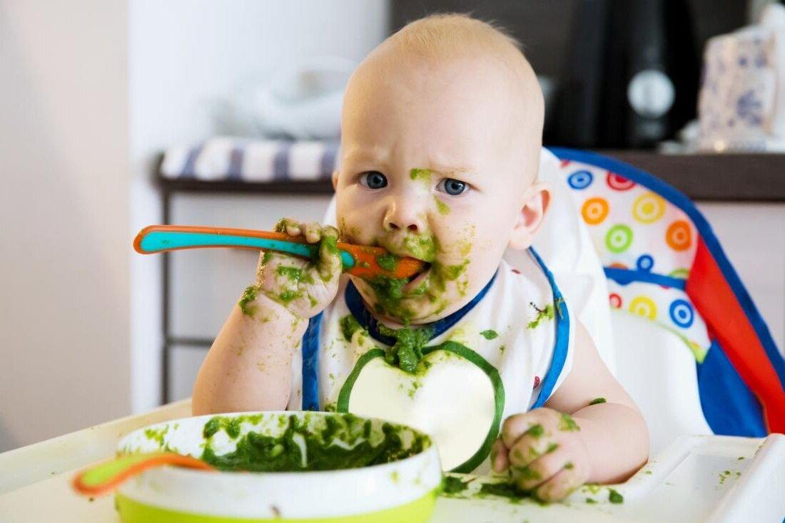 Первый прикорм ребенка: советы, правила и рекомендации