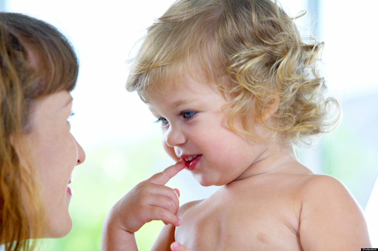 Ребенок не говорит  в 2 года: причины, признаки зрр, нормы развития речи, мнения специалистов