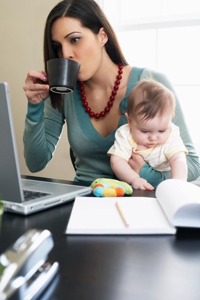 Как выйти на работу из декретного отпуска безболезненно для ребенка