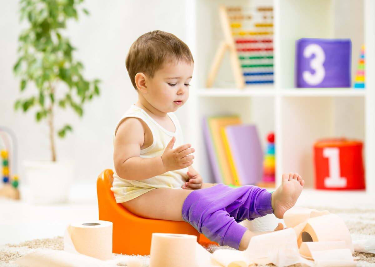 Эти 8 фактов убедят вас не приучать ребенка к горшку до двух лет