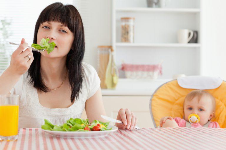 Какие фрукты и ягоды можно кормящей маме?   компетентно о здоровье на ilive
