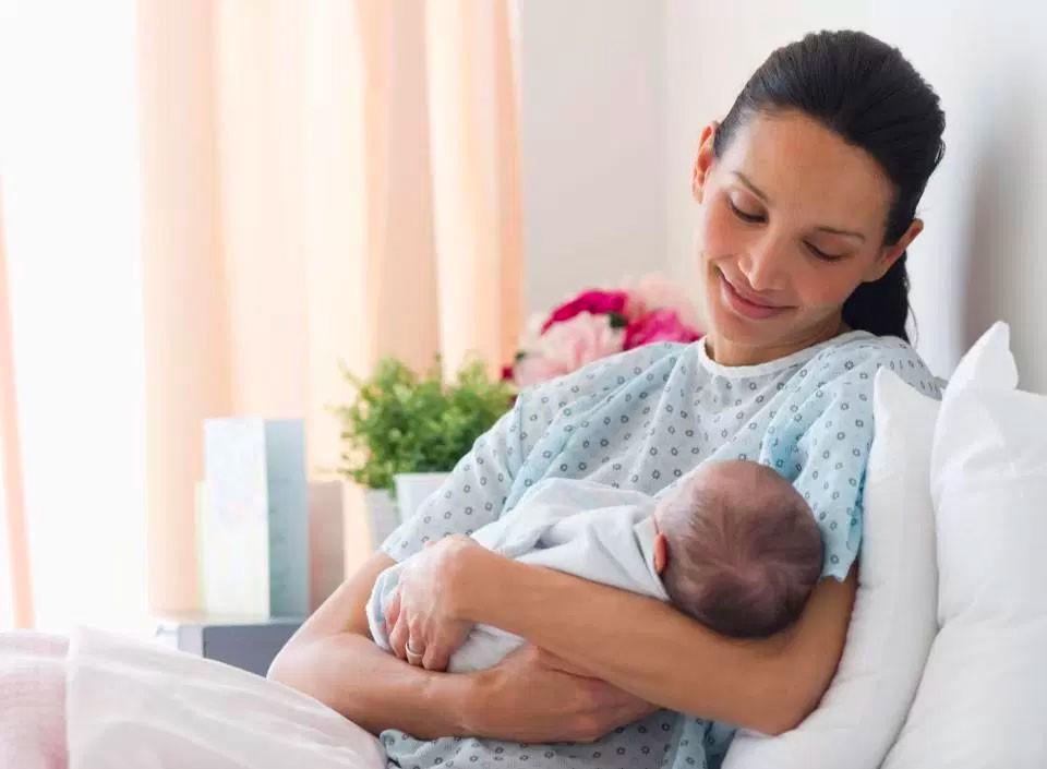 Ежедневный уход за новорожденным: основные процедуры