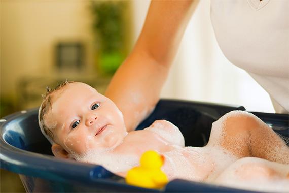 Комаровский можно ли купать ребенка при насморке без температуры комаровский - тайны врачей