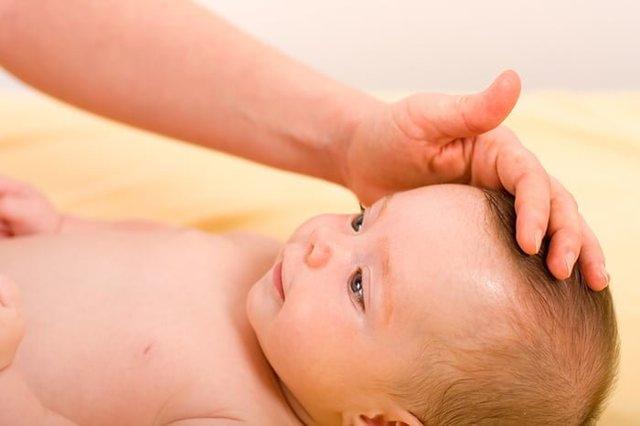 Почему у грудничка пульсирует родничок, считаются ли нормой колебания родничка у ребёнка