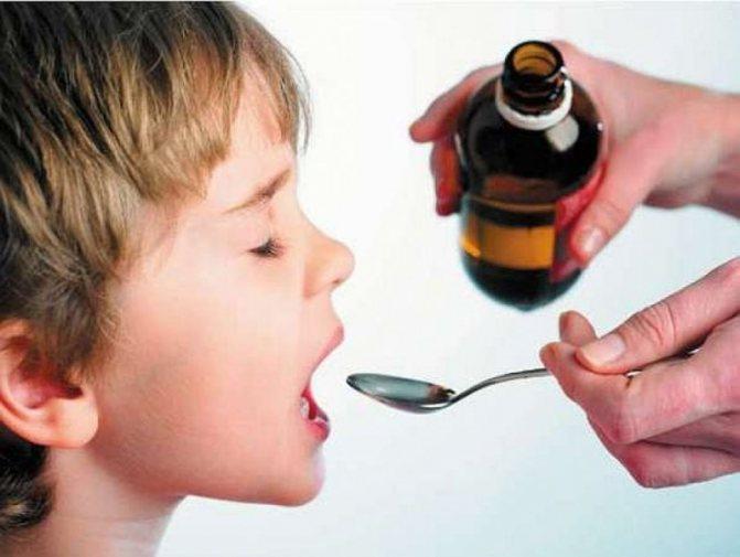 Родителям на заметку: как дать лекарство ребенку до года и старше
