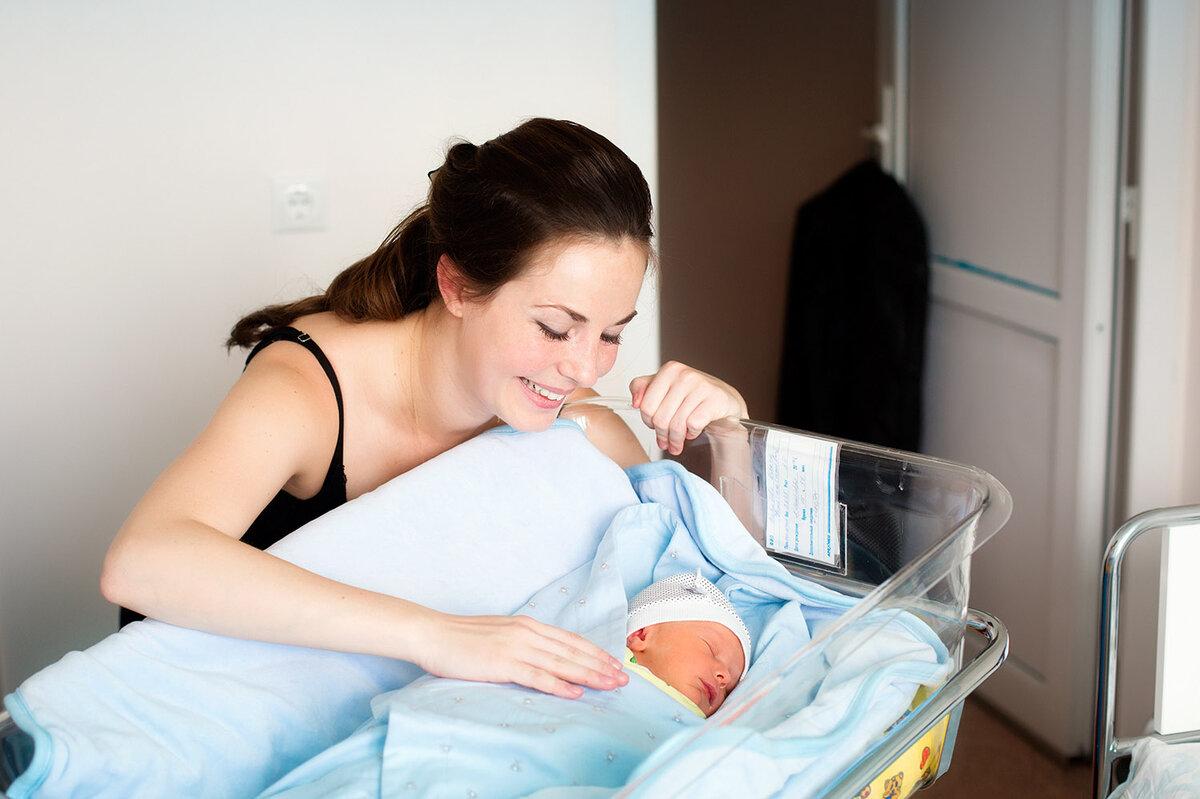 Первые вопросы о кормлении грудью в роддоме