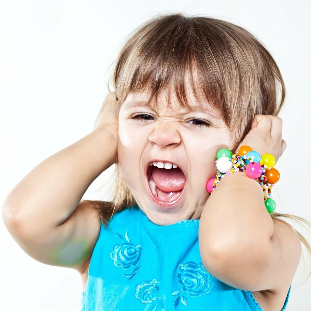 Почему ребенок может капризничать, причины и что делать, советы психологов