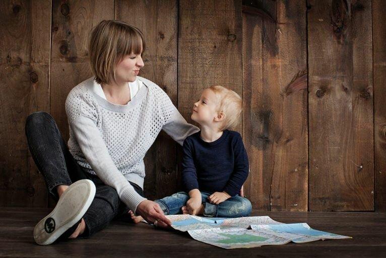 Ребенок не отходит от мамы - что делать, если ребенок прилипала?