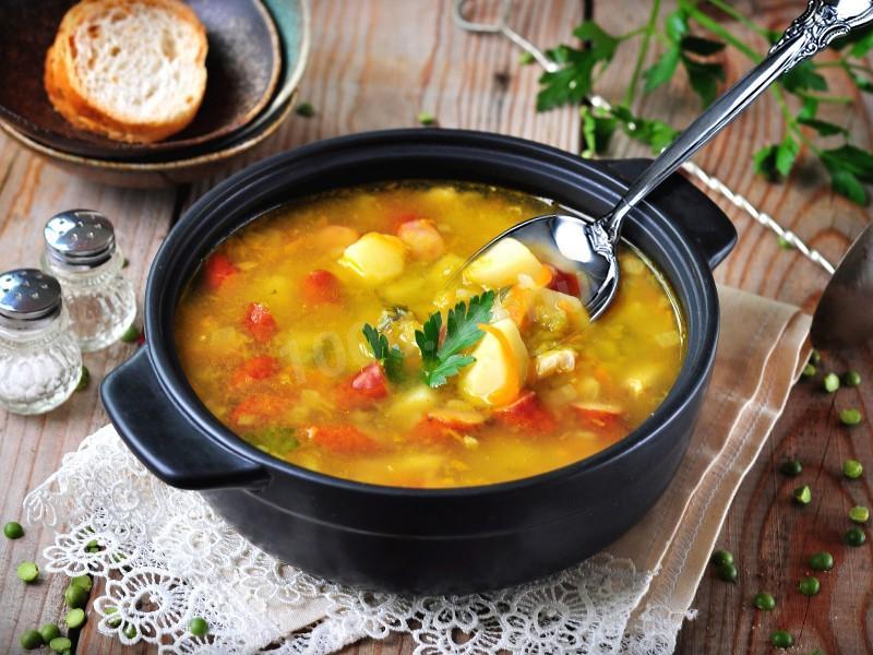 С какого возраста можно давать ребёнку гороховый суп: советы врачей