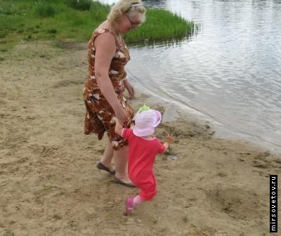 Откуда берутся прыщики на лице у новорожденного ребенка, и что с ними делать
