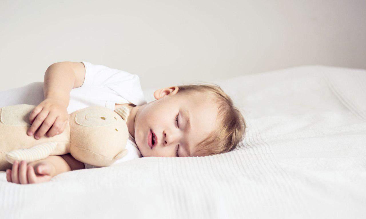 Сновидения ребенка: когда дети начинают видеть сны?