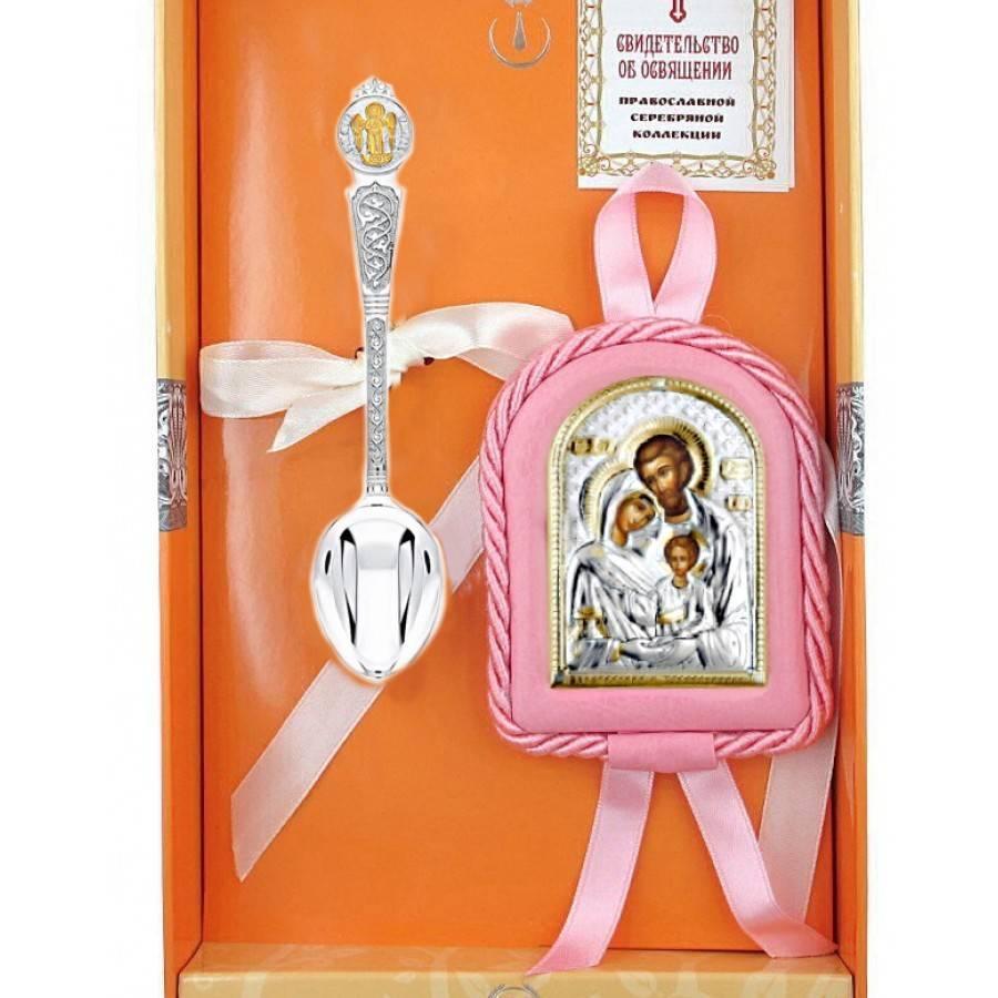 На крестины девочке, мальчику что дарят крестная и крестный?