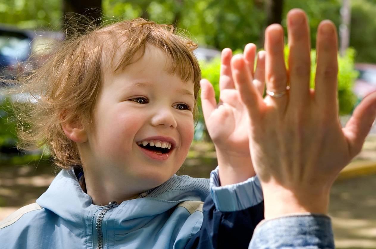 10 наиболее удачных детских фраз или маленькие манипуляторы: как реагировать на уловки ребенка?