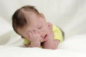 Почему новорожденный плохо спит ночью