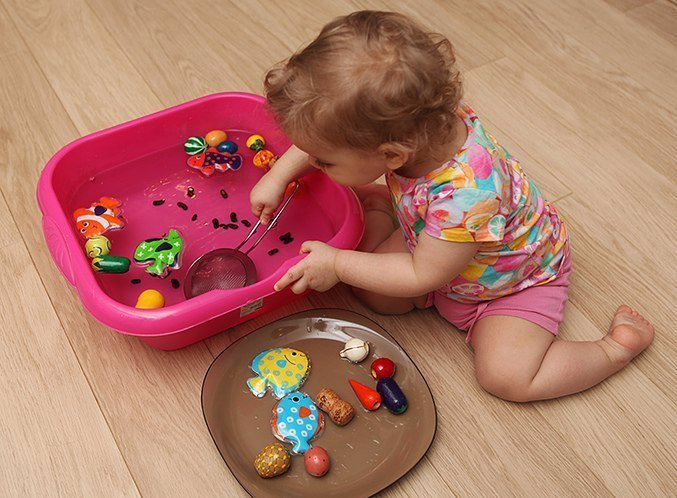 Какие игрушки необходимы ребёнку в 6-7 месяцев