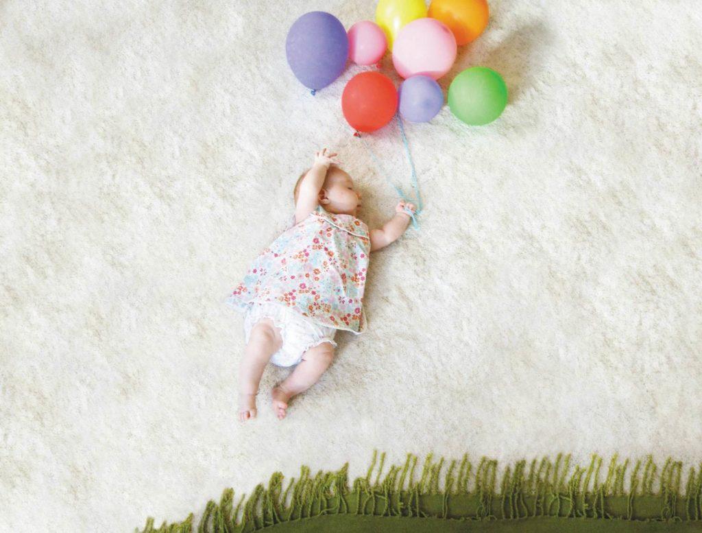 Когда (во сколько месяцев) новорожденный начинает видеть