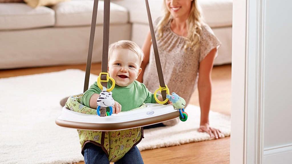 Когда можно ставить ребенка в прыгунки   мама супер!