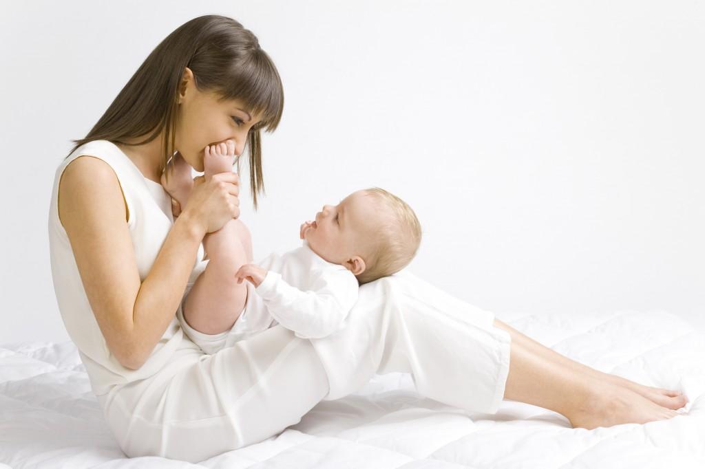 Простуда у кормящей мамы: можно ли кормить, как лечить?