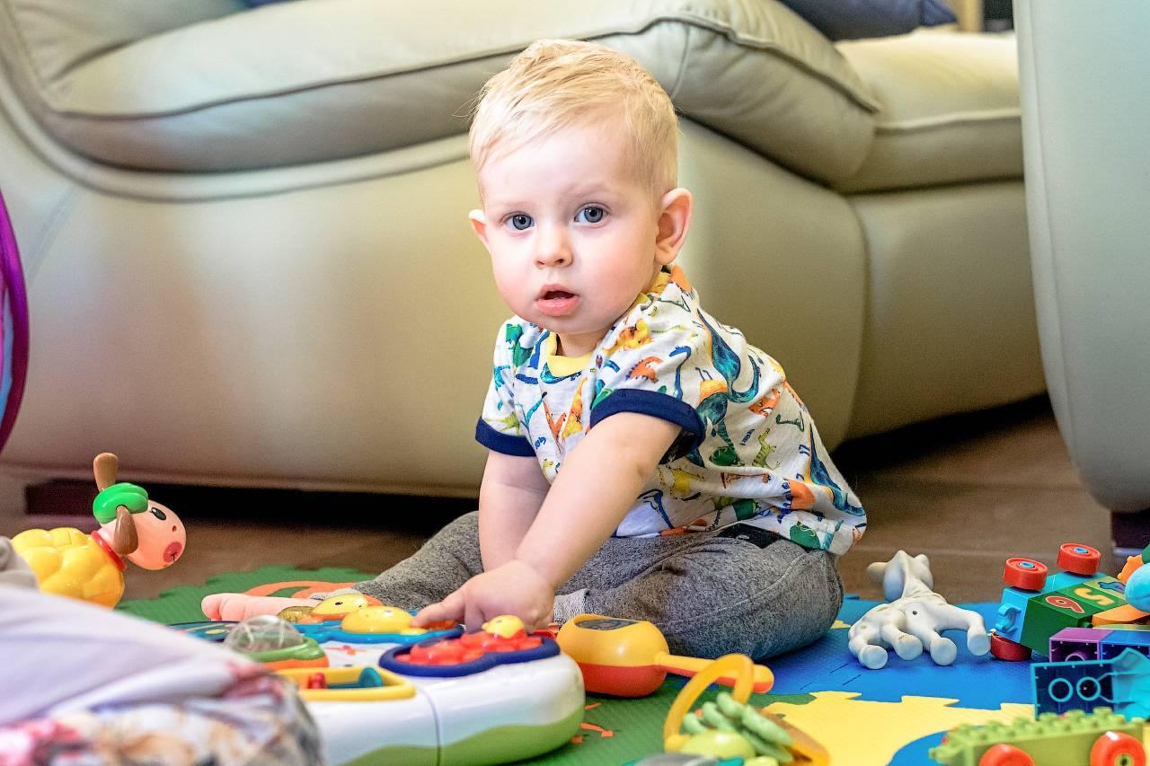 Особенности развития ребенка в 1 год и 10 месяцев