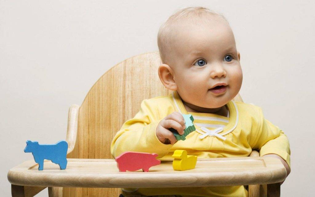 Что должен уметь ребёнок в 3 месяца: полный перечень способностей малыша, соответствующих данному периоду