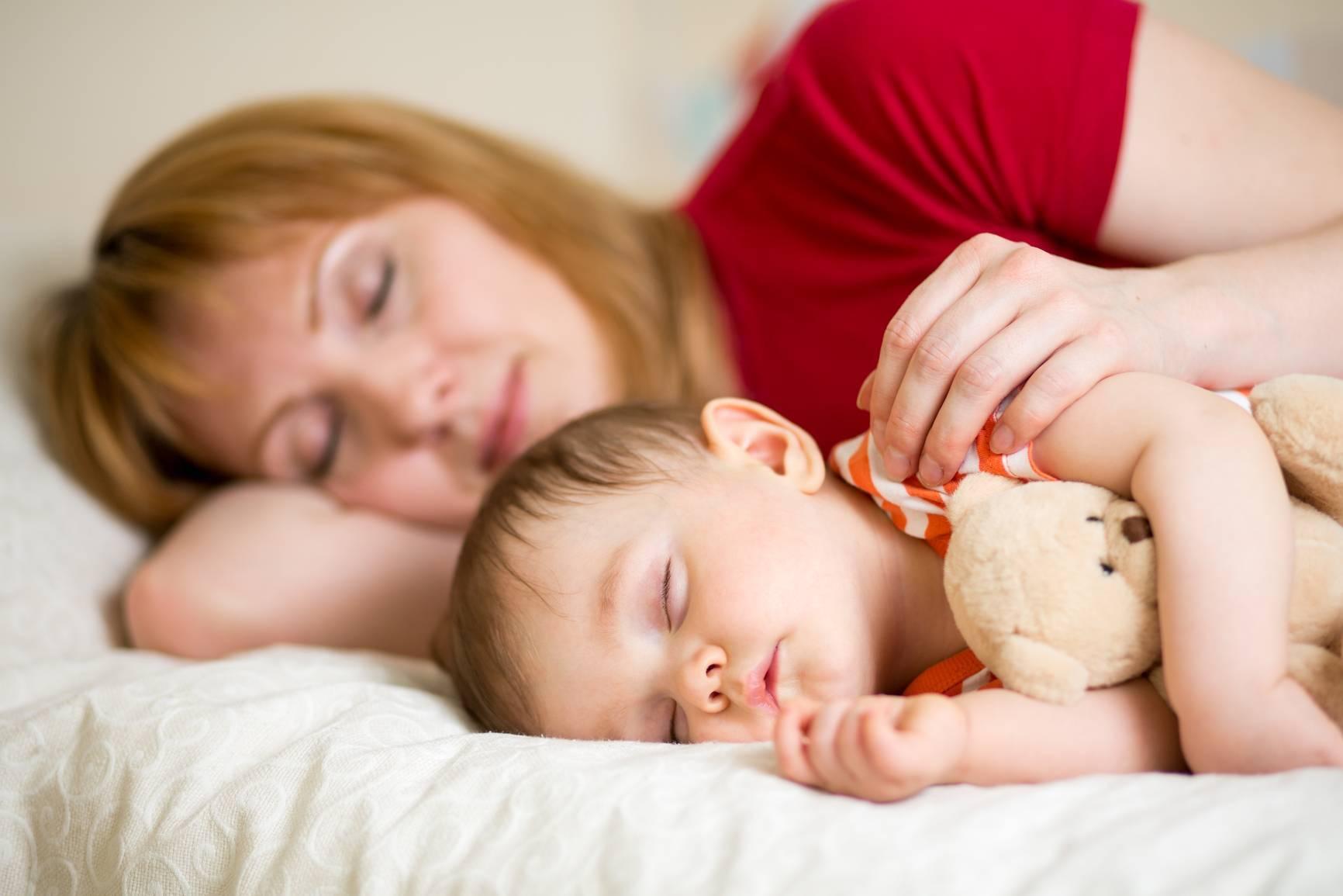 Совместный сон с ребенком - польза или вред?