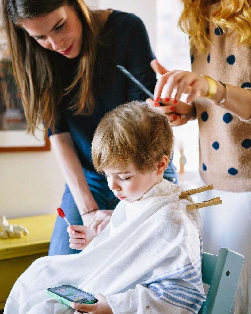 Стрижка ребенка машинкой в домашних условиях пошагово. как подстричь малыша машинкой дома