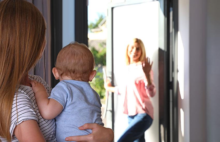 Как относятся к воспитанию малыша мамы-француженки