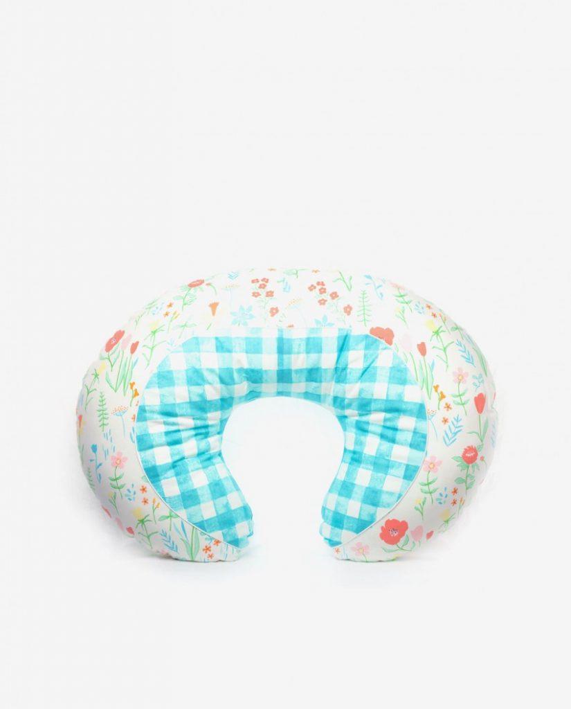 Подушка для кормления грудного ребенка: какая лучше и как использовать